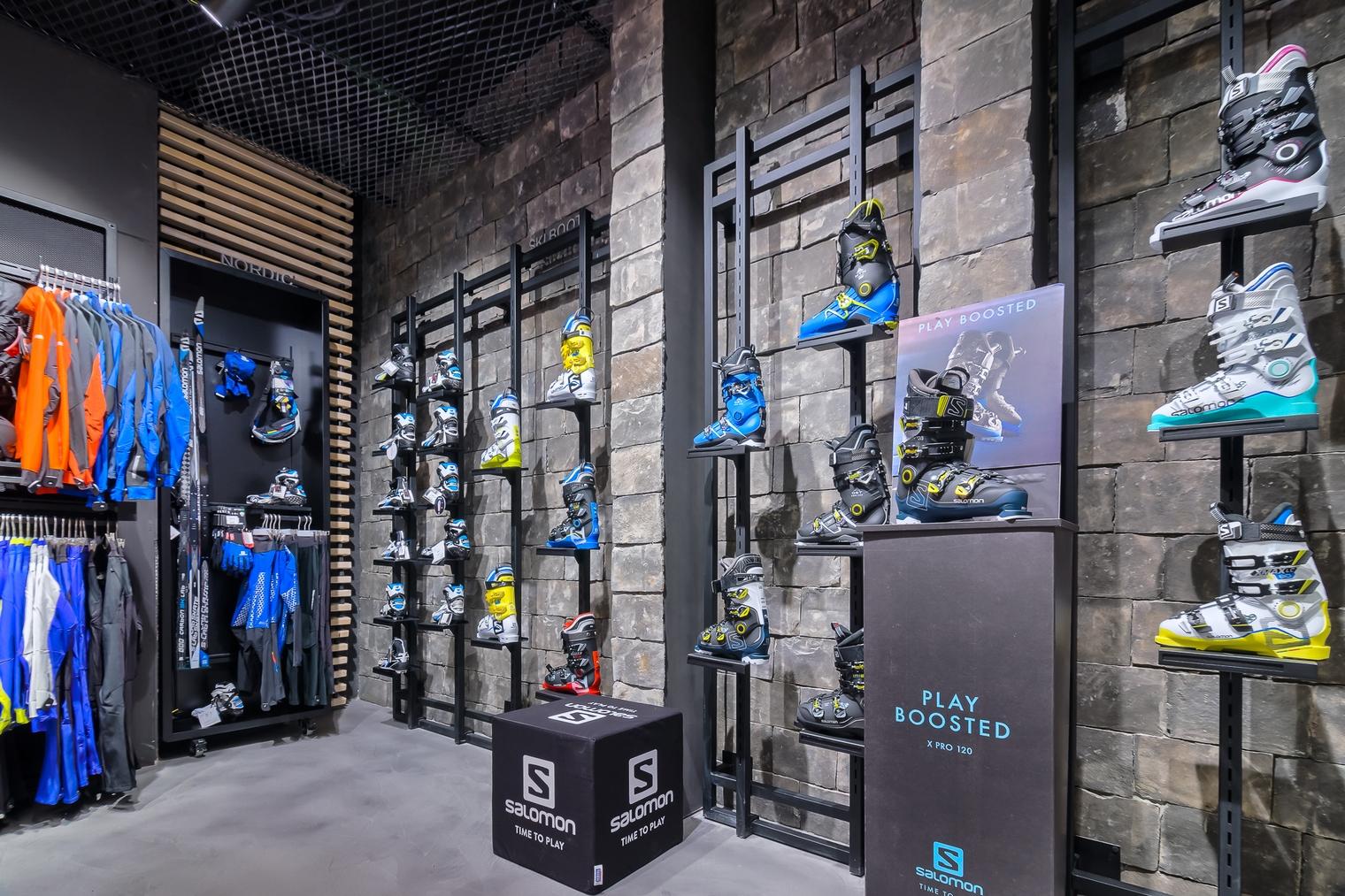 ProShop Salomon premium concept store. Atvangarde